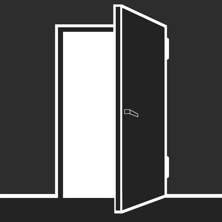 Как вырезать наличники на двери