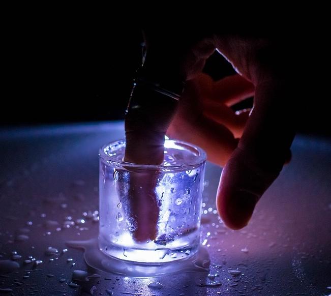 Используем дешёвую водку в быту: 7 новых идей - Дом