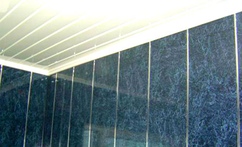 Потолок и стена из ПВХ