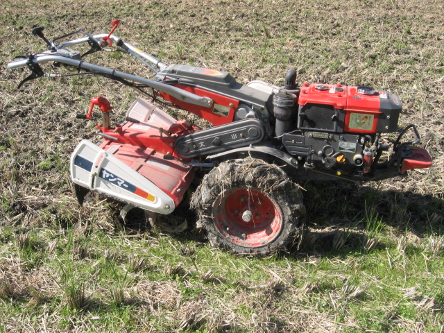Rotary_tiller_compact