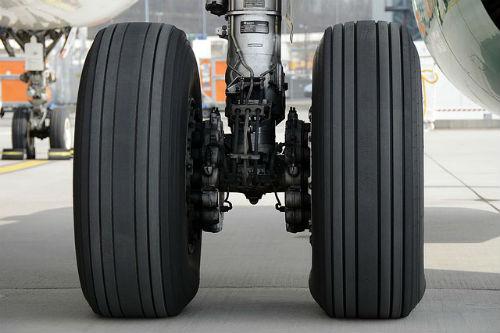 main-landing-gear-1461139_640