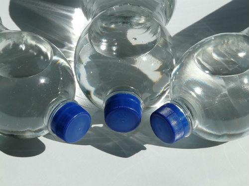 Бутылка, вода